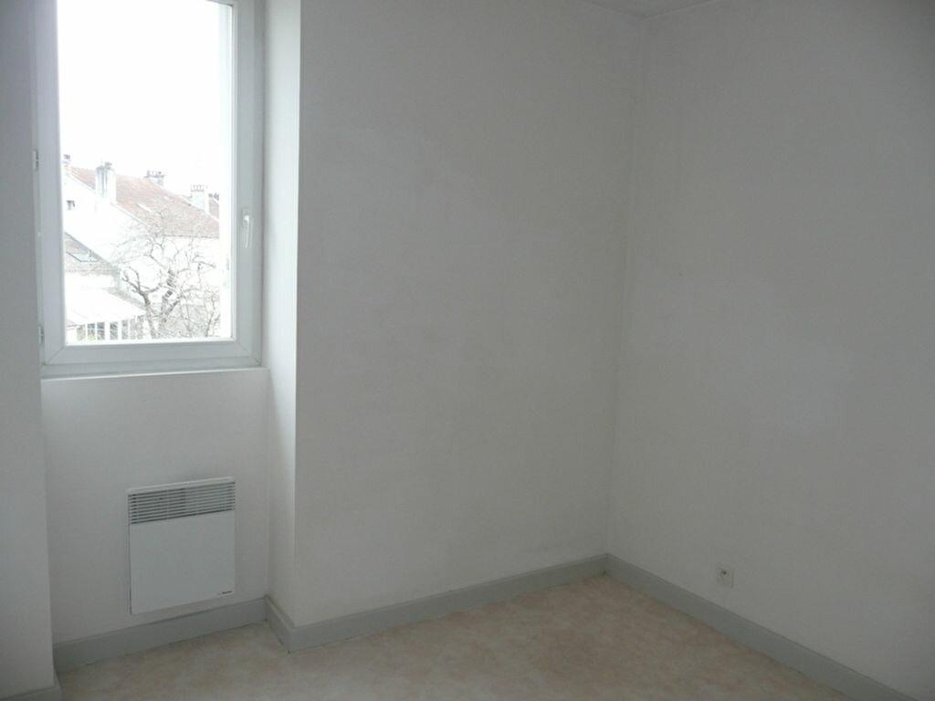 Appartement à louer 2 35m2 à Périgueux vignette-4