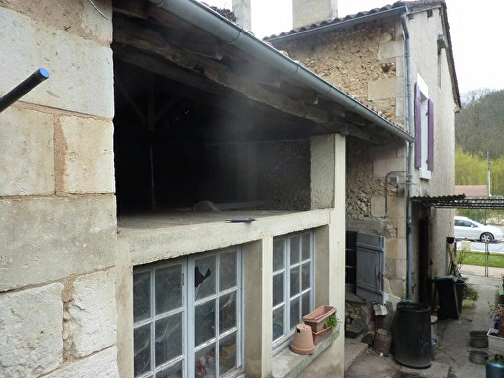 Maison à vendre 4 88m2 à Manzac-sur-Vern vignette-2