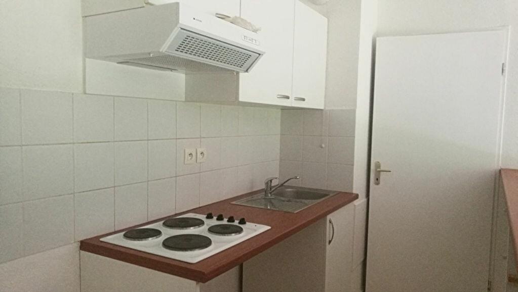 Appartement à louer 3 57m2 à Saint-Astier vignette-2