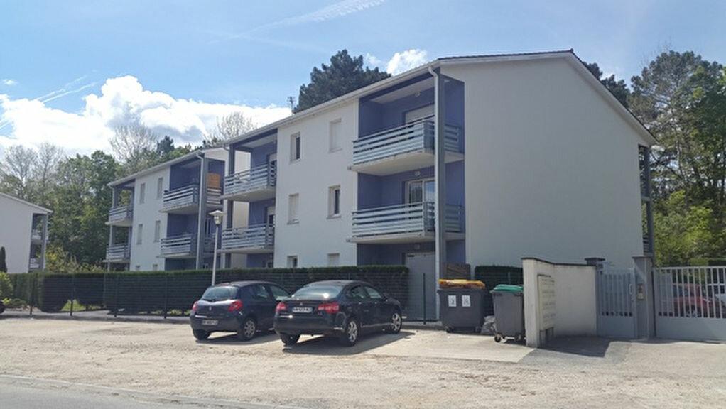 Appartement à louer 3 57m2 à Saint-Astier vignette-4