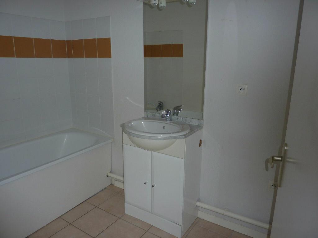 Appartement à louer 3 57m2 à Saint-Astier vignette-7