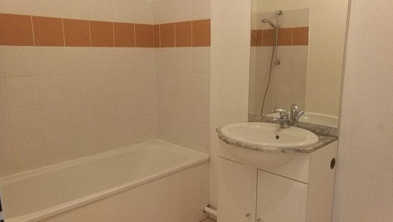 Appartement à louer 3 57m2 à Saint-Astier vignette-10