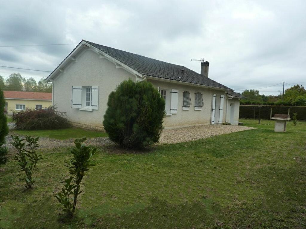 Maison à louer 4 90m2 à Neuvic vignette-2