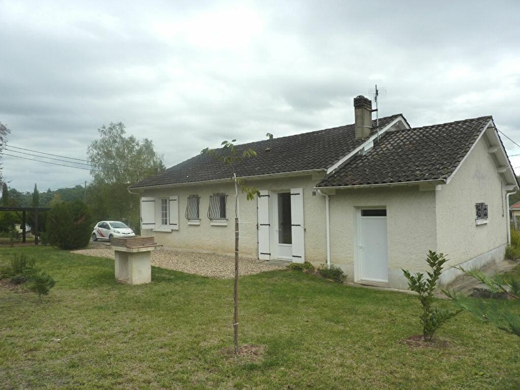 Maison à louer 4 90m2 à Neuvic vignette-3
