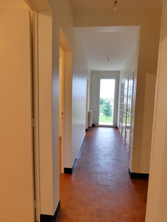 Maison à louer 4 90m2 à Neuvic vignette-9
