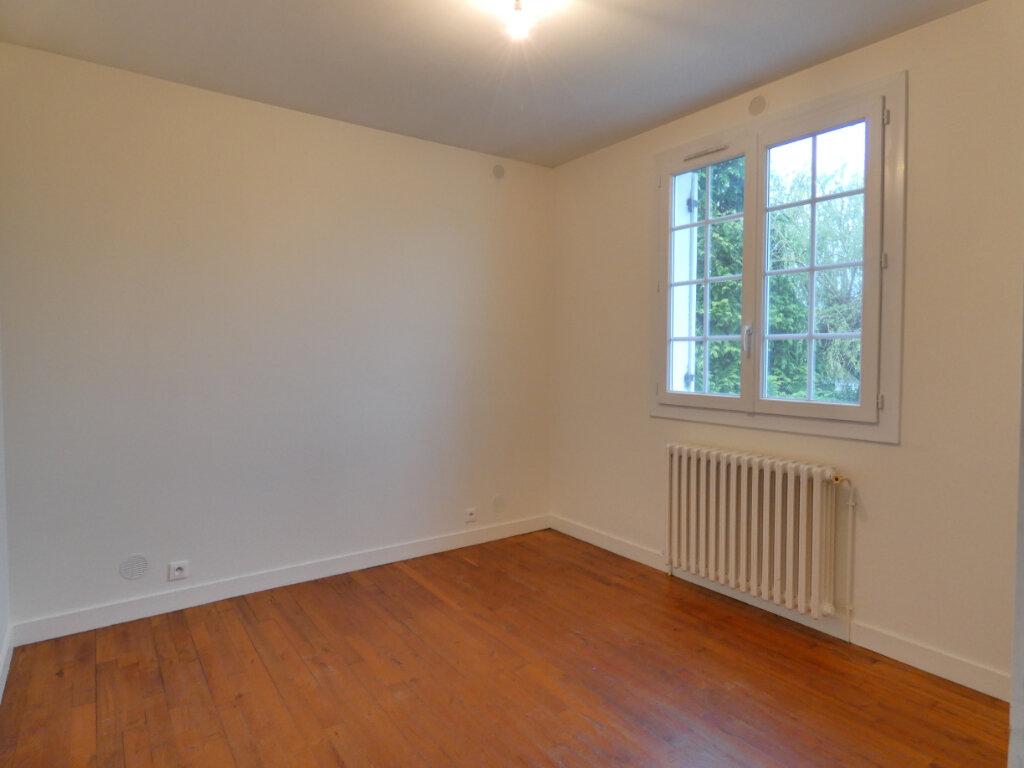 Maison à louer 4 90m2 à Neuvic vignette-12