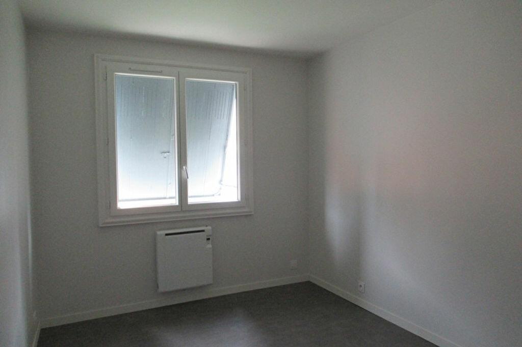 Appartement à louer 3 70m2 à Périgueux vignette-4