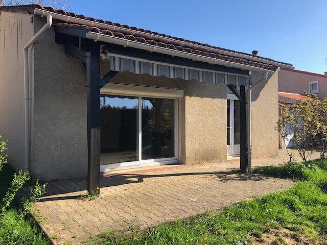 Maison à vendre 4 88m2 à Neuvic vignette-1