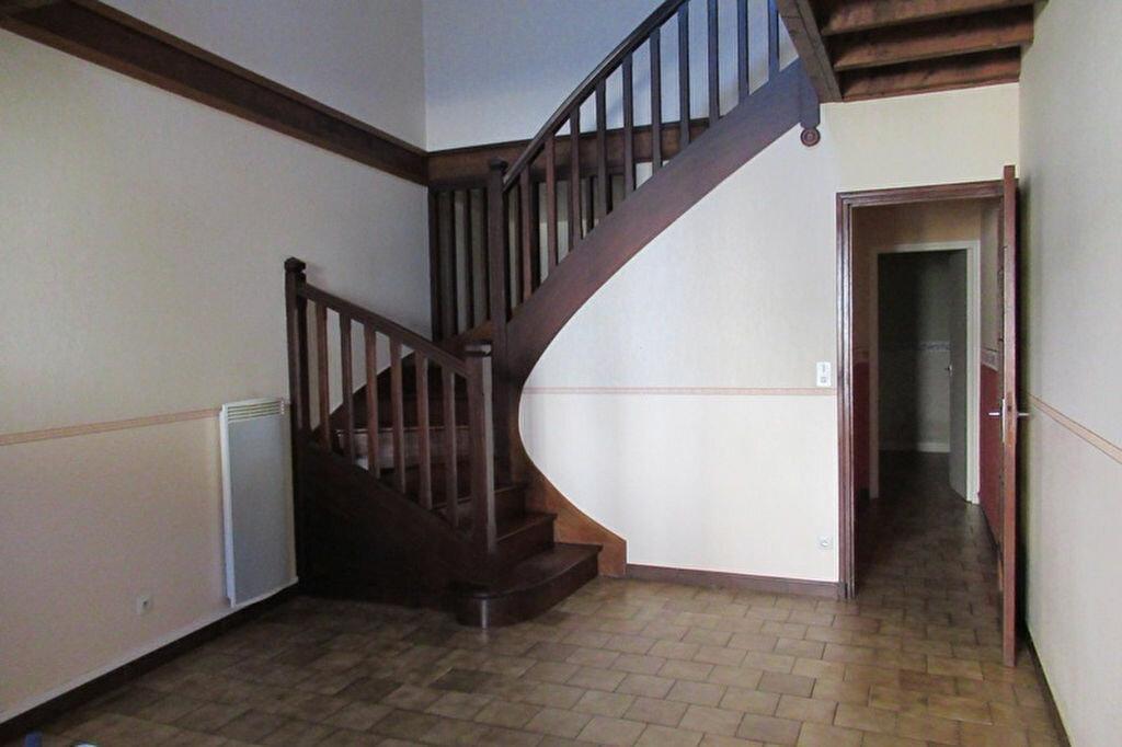 Maison à louer 3 70m2 à Sarliac-sur-l'Isle vignette-2
