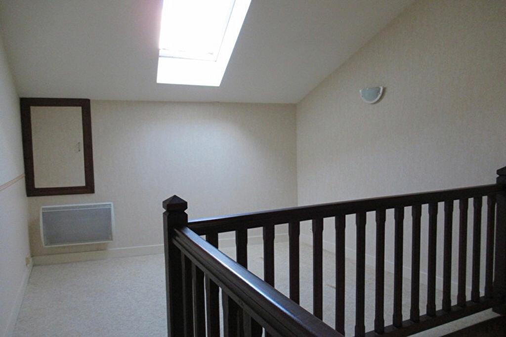 Maison à louer 3 70m2 à Sarliac-sur-l'Isle vignette-5