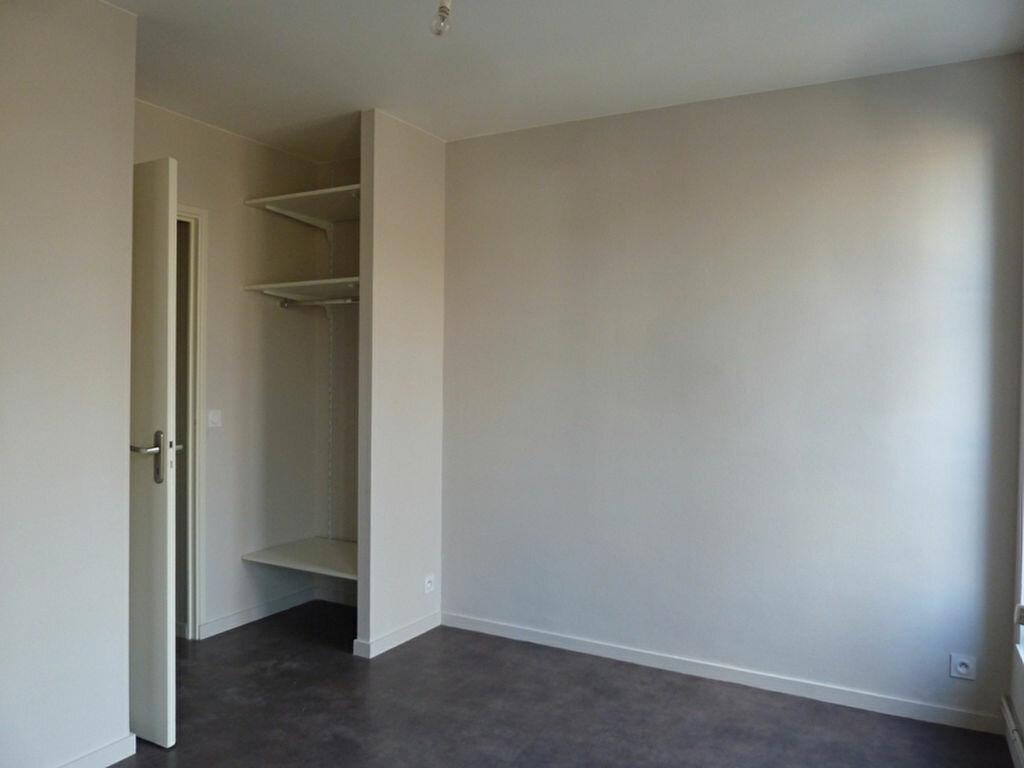 Appartement à louer 4 80m2 à Périgueux vignette-3