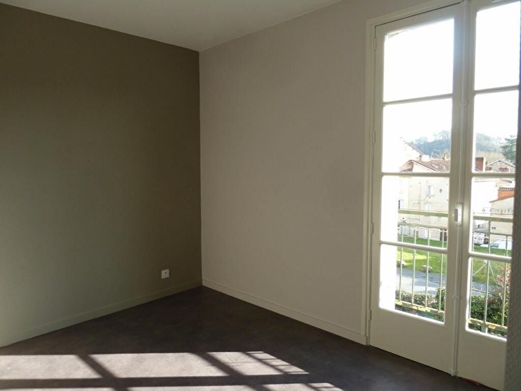 Appartement à louer 4 80m2 à Périgueux vignette-7