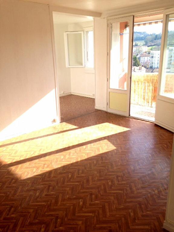 Appartement à louer 3 62m2 à Périgueux vignette-3