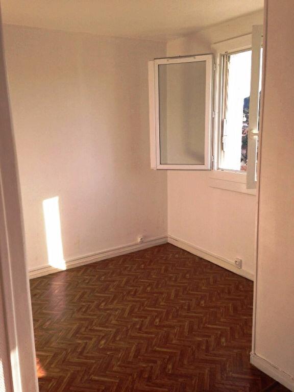 Appartement à louer 3 62m2 à Périgueux vignette-4