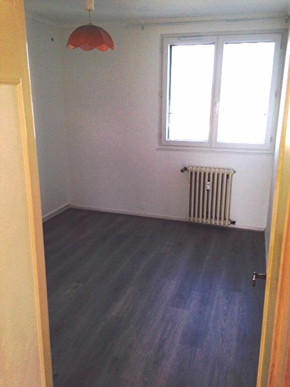 Appartement à louer 3 62m2 à Périgueux vignette-5