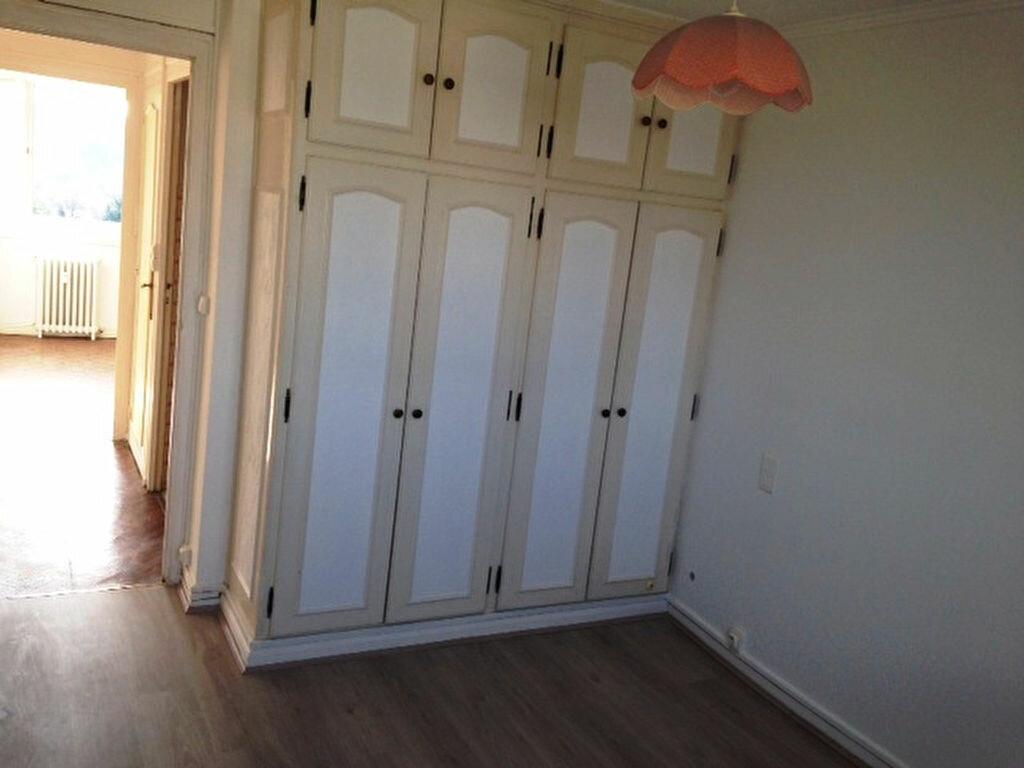 Appartement à louer 3 62m2 à Périgueux vignette-6