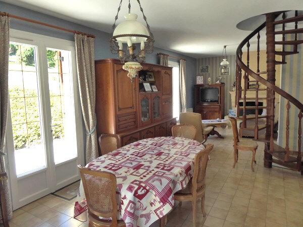 Maison à vendre 4 100m2 à Saint-Astier vignette-3