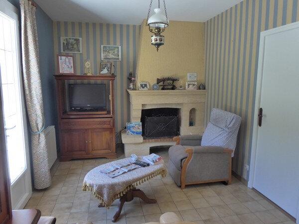 Maison à vendre 4 100m2 à Saint-Astier vignette-5