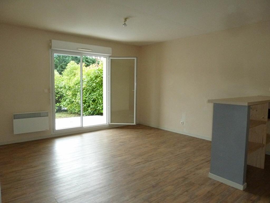 Appartement à louer 2 46m2 à Champcevinel vignette-1