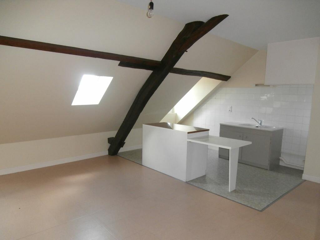 Appartement à louer 2 34m2 à Terrasson-Lavilledieu vignette-1