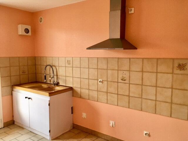 Appartement à louer 3 63.53m2 à Terrasson-Lavilledieu vignette-3