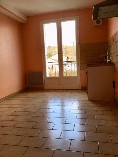 Appartement à louer 3 63.53m2 à Terrasson-Lavilledieu vignette-4