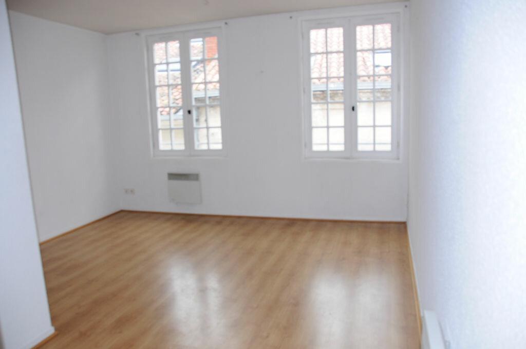 Appartement à louer 3 60m2 à Périgueux vignette-4