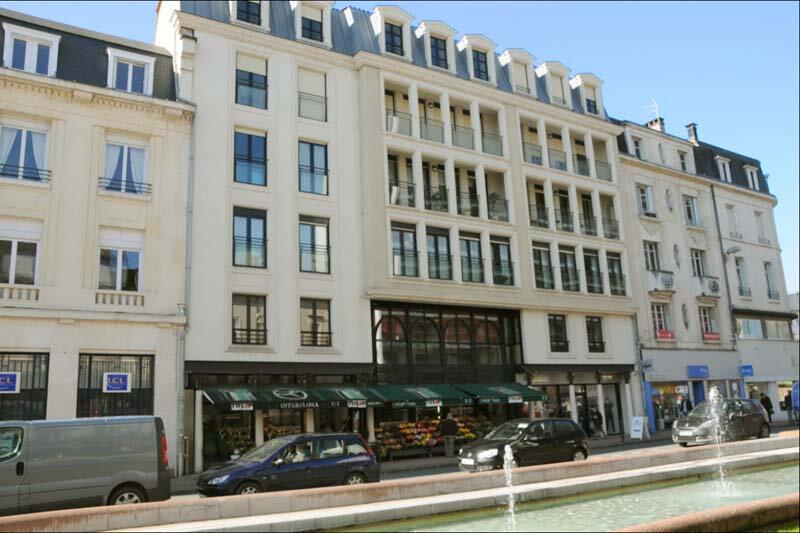 Appartement à louer 3 113m2 à Périgueux vignette-1