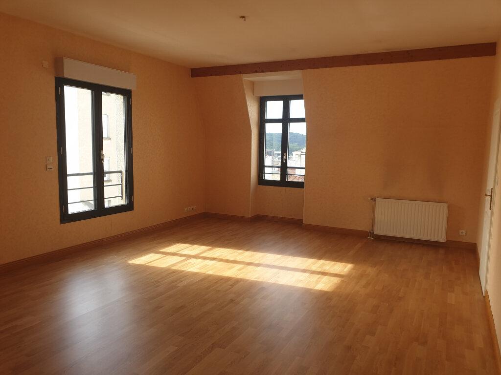 Appartement à louer 3 113m2 à Périgueux vignette-2