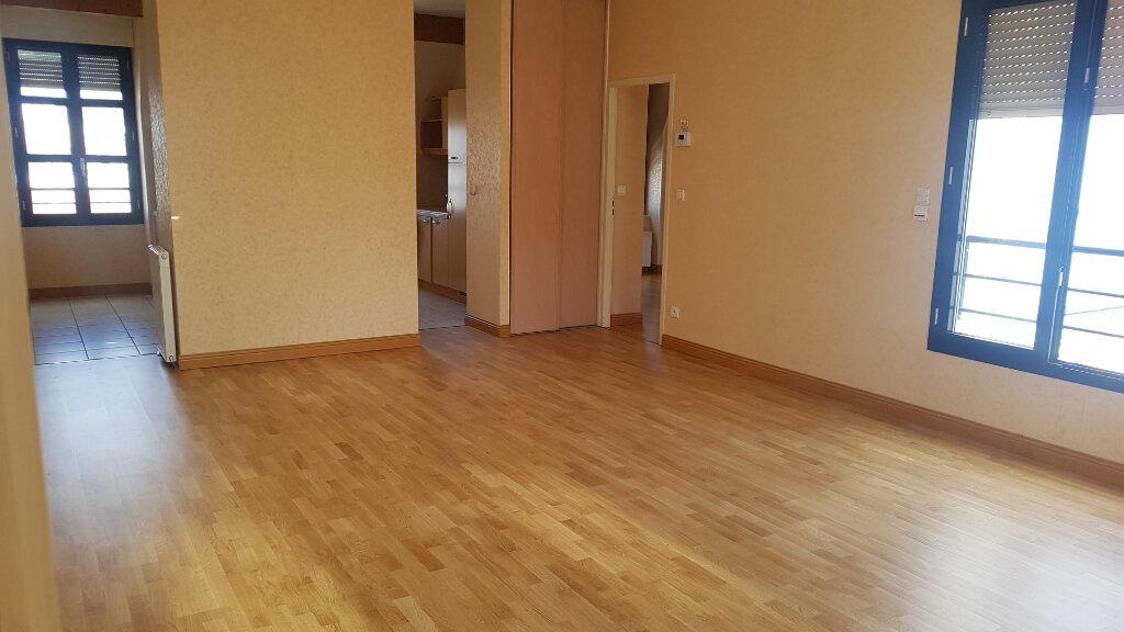 Appartement à louer 3 113m2 à Périgueux vignette-3