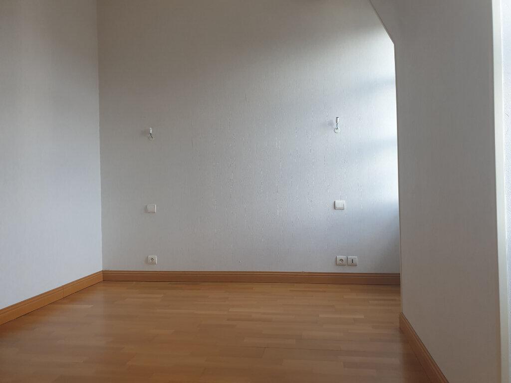 Appartement à louer 3 113m2 à Périgueux vignette-5