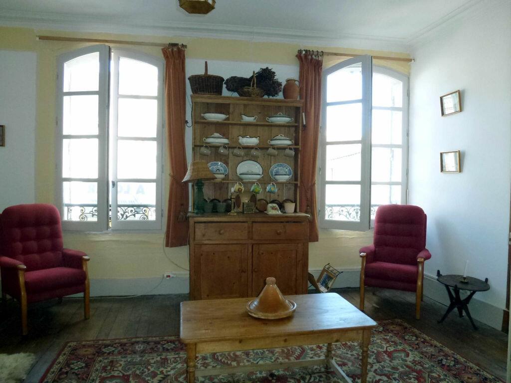 Appartement à louer 2 71.2m2 à Périgueux vignette-2