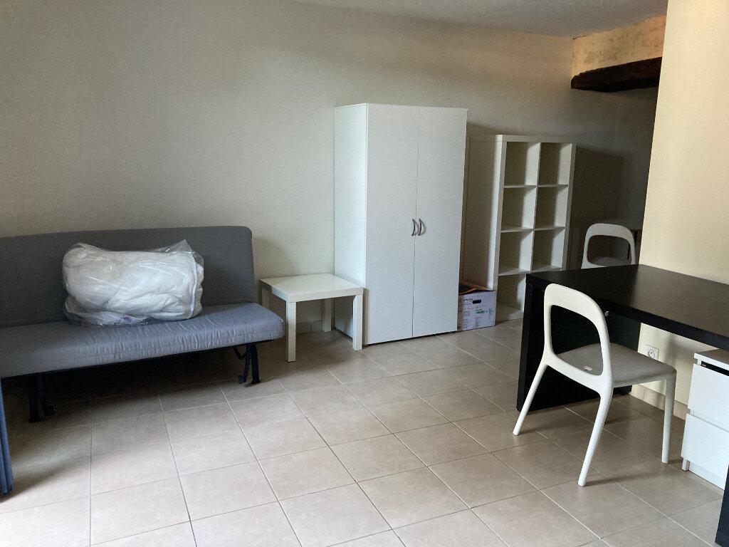 Appartement à louer 1 24m2 à Périgueux vignette-2