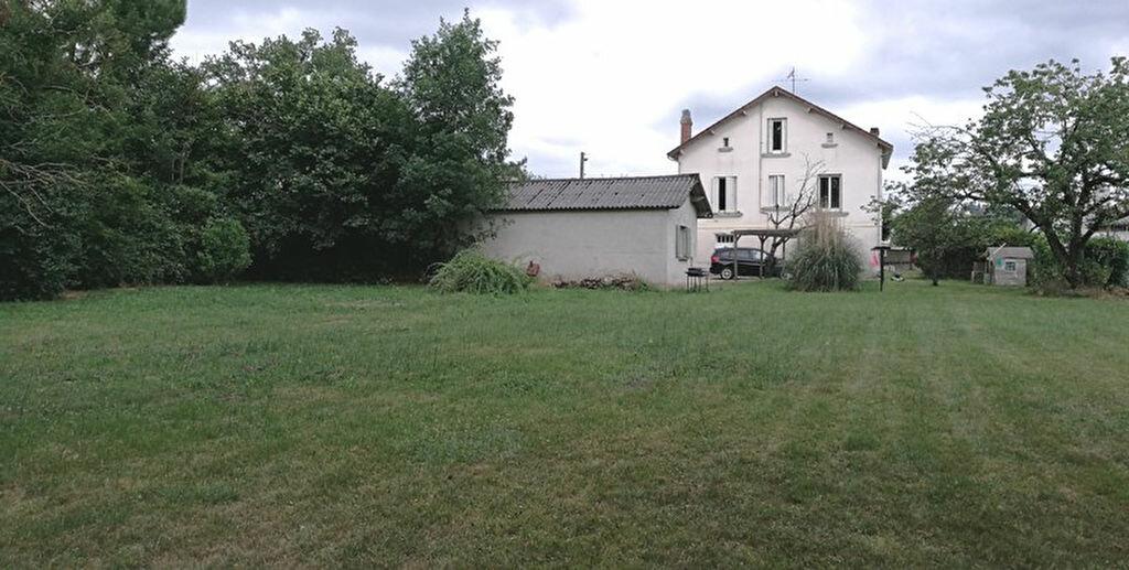 Maison à louer 4 110m2 à Saint-Astier vignette-2