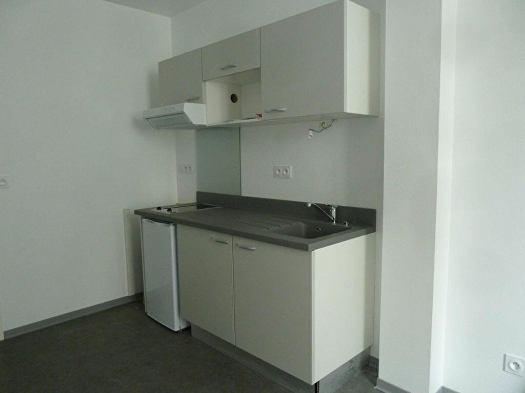 Appartement à louer 1 22.15m2 à Périgueux vignette-1