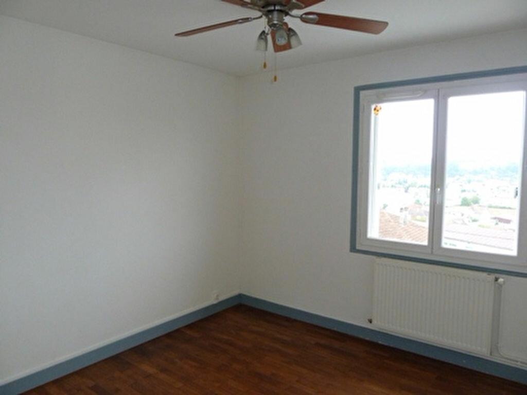 Appartement à louer 3 65m2 à Boulazac vignette-3