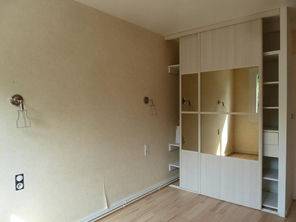 Appartement à louer 2 60m2 à Périgueux vignette-4