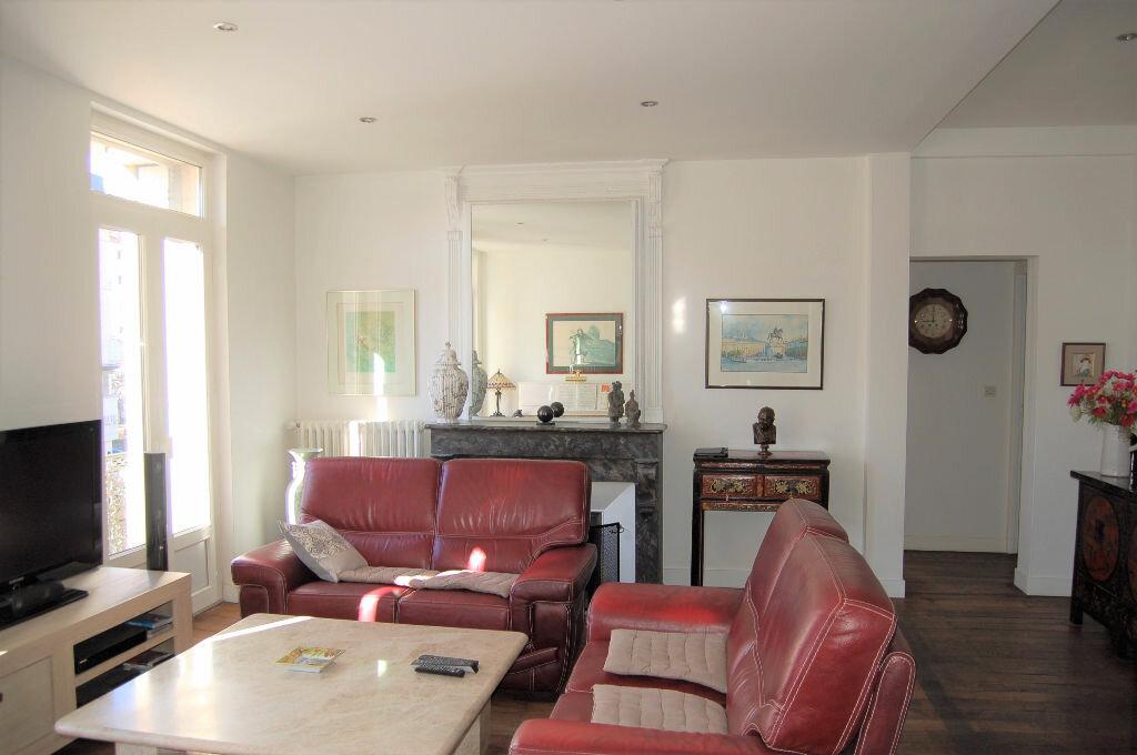Appartement à vendre 4 102.46m2 à Périgueux vignette-4