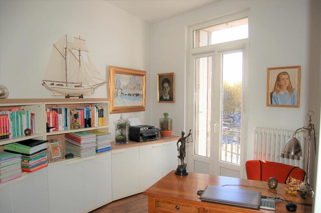 Appartement à vendre 4 102.46m2 à Périgueux vignette-8
