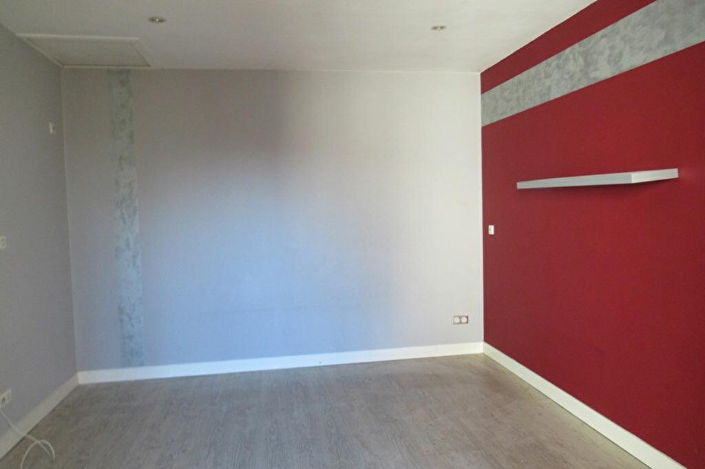 Appartement à louer 6 180m2 à Périgueux vignette-2