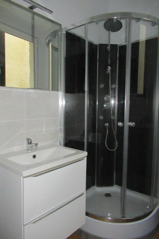Appartement à louer 2 36m2 à Périgueux vignette-3