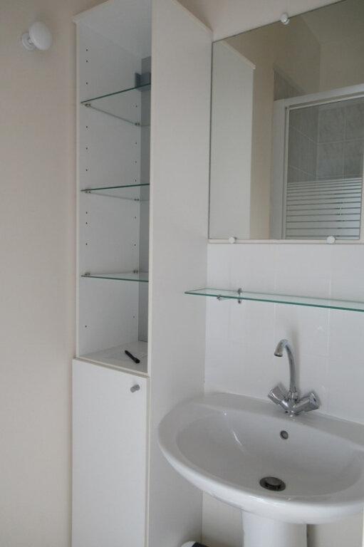 Appartement à louer 1 12.6m2 à Périgueux vignette-2