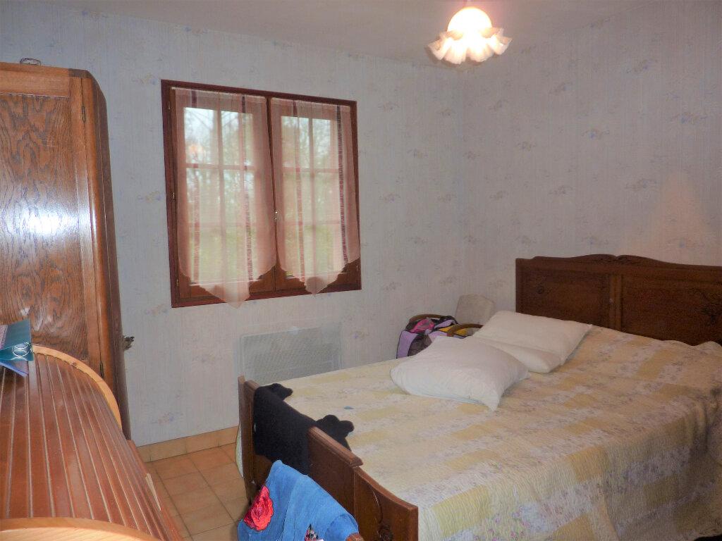 Maison à vendre 5 115m2 à Saint-Germain-du-Salembre vignette-9