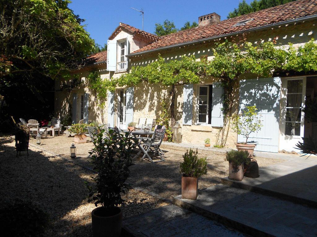 Maison à vendre 7 200m2 à Château-l'Évêque vignette-1