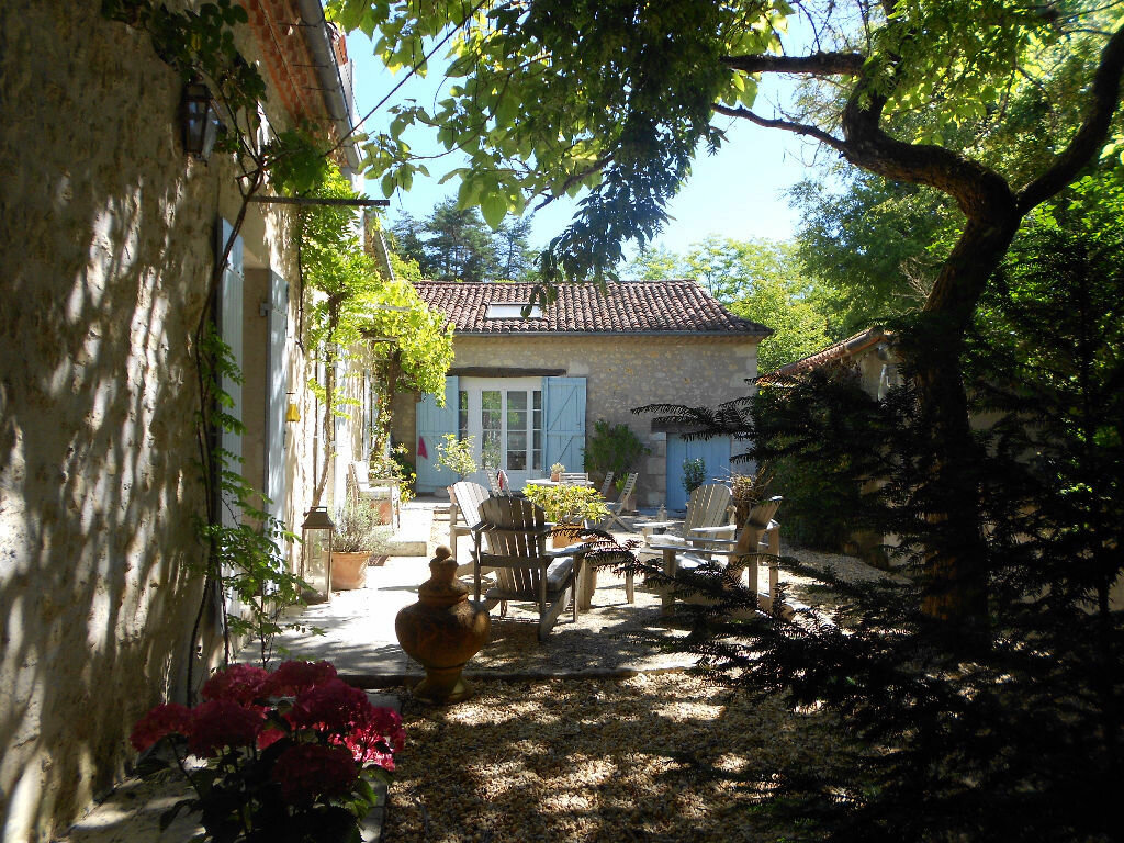Maison à vendre 7 200m2 à Château-l'Évêque vignette-2