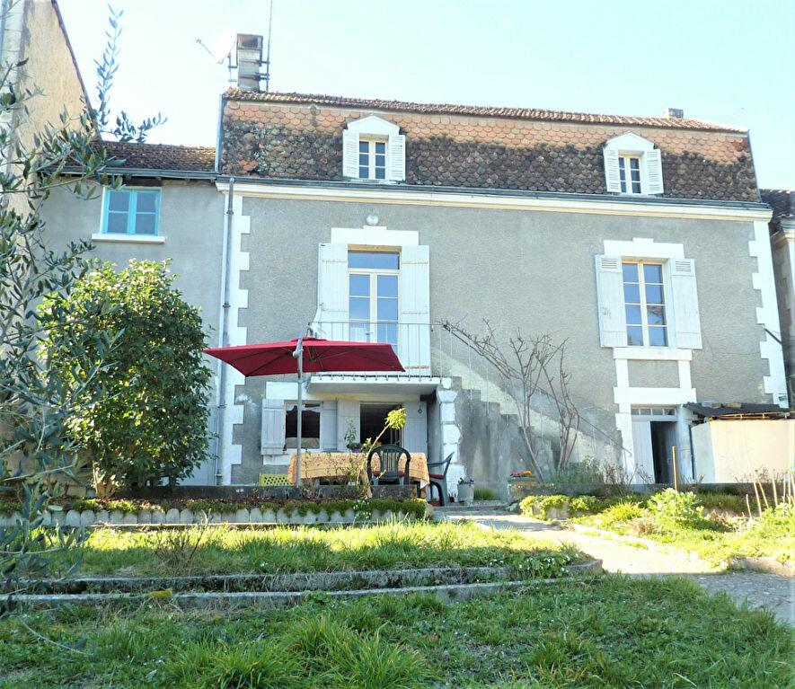Maison à vendre 5 117m2 à Saint-Astier vignette-1