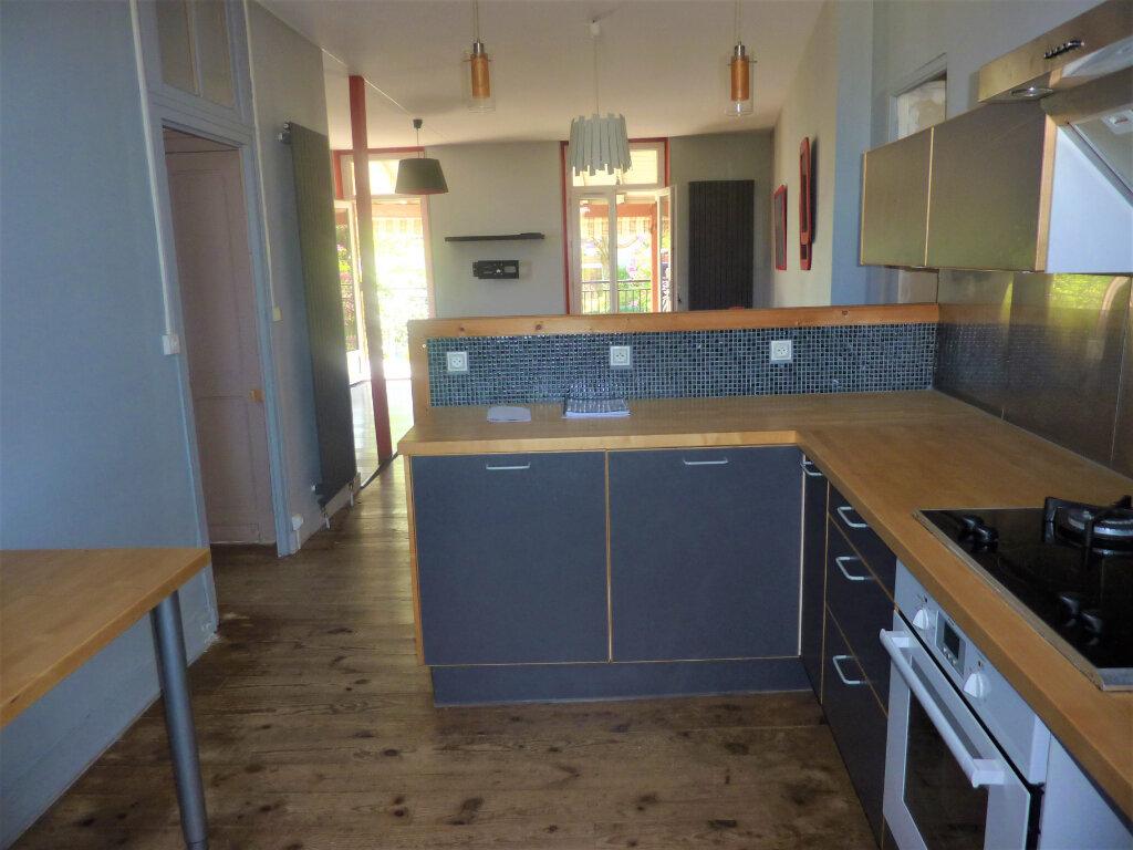 Maison à vendre 6 110m2 à Saint-Astier vignette-2