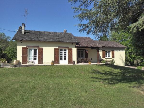 Maison à vendre 5 170m2 à Saint-Germain-du-Salembre vignette-1