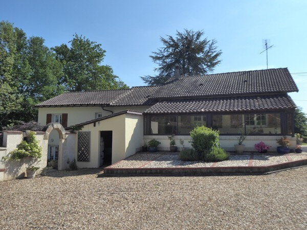 Maison à vendre 5 170m2 à Saint-Germain-du-Salembre vignette-4