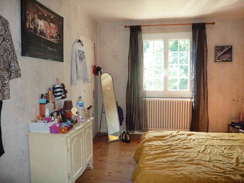 Maison à louer 4 111m2 à Razac-sur-l'Isle vignette-7